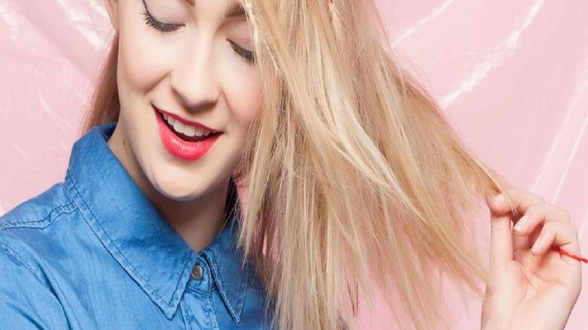 Bleached Hair Falling Out How to Fix – Hydrate Bleached Hair, and More